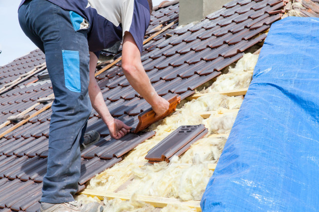 בידוד לגג רעפים – לגג יפה, כפרי ובטוח